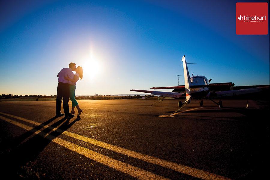 pennsylvania-engagement-photographer-airplane-212