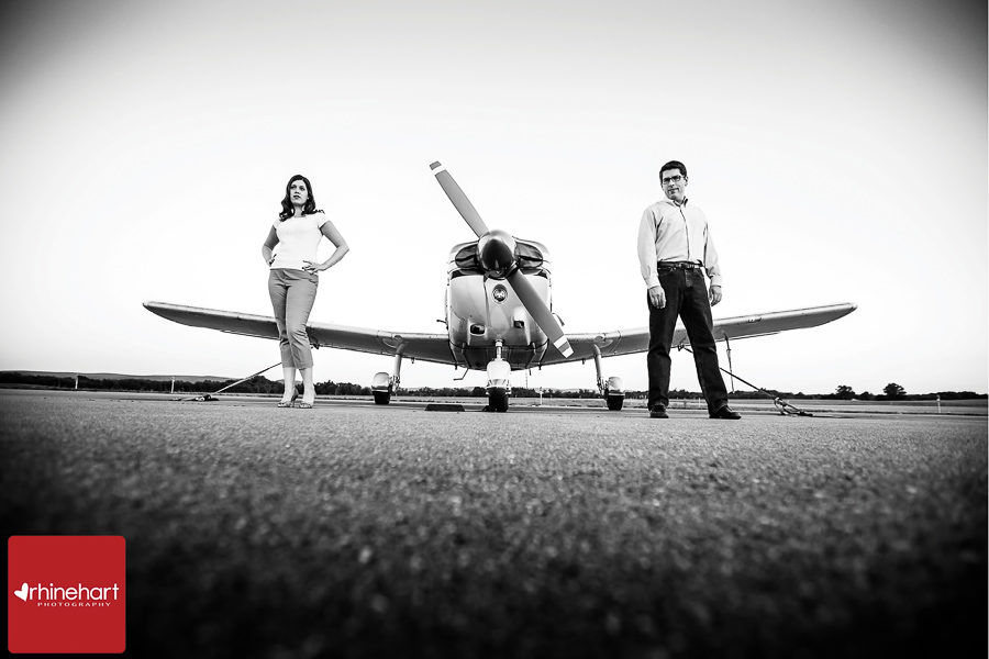 pennsylvania-engagement-photographer-airplane-214