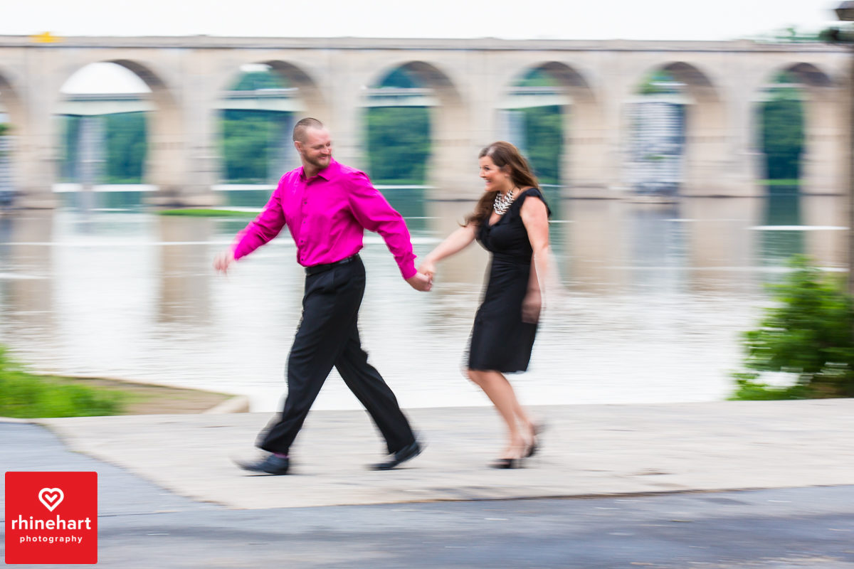 creative-harrisburg-engagement-photographer-city-island-downtown-7