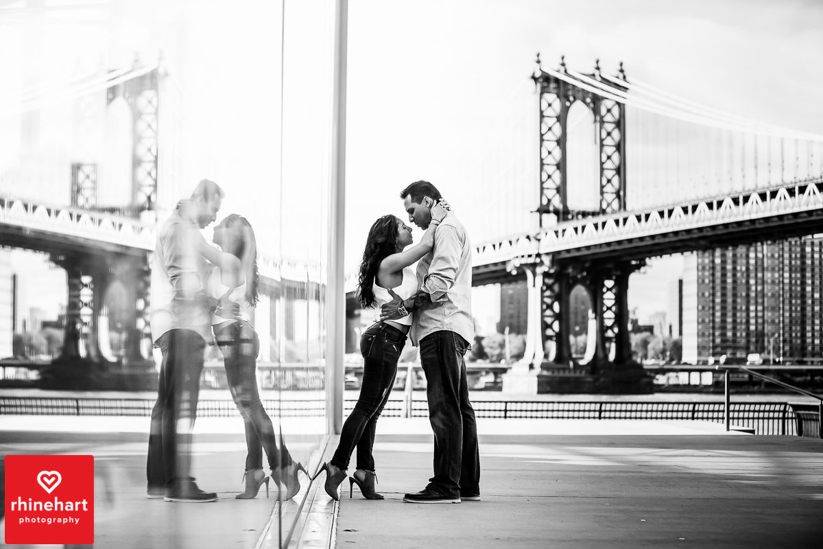 nyc-creative-engagement-photographer-brooklyn-bridge-engagement-photography-art-best-15