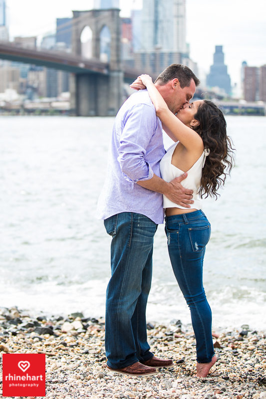 nyc-creative-engagement-photographer-brooklyn-bridge-engagement-photography-art-best-16