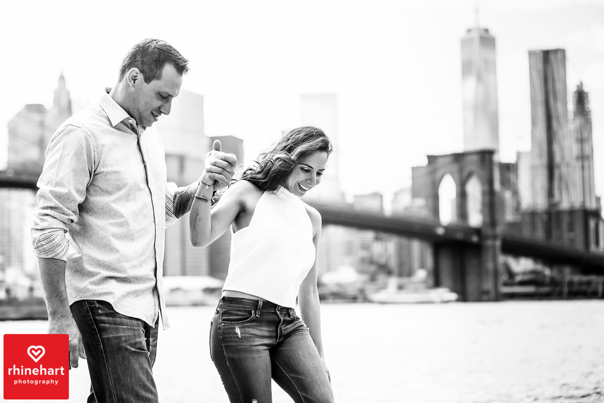 nyc-creative-engagement-photographer-brooklyn-bridge-engagement-photography-art-best-4