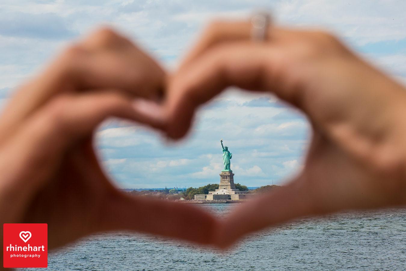 liberty-warehouse-wedding-photographers-creative-brooklyn-1