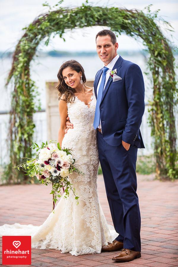 liberty-warehouse-wedding-photographers-creative-brooklyn-20