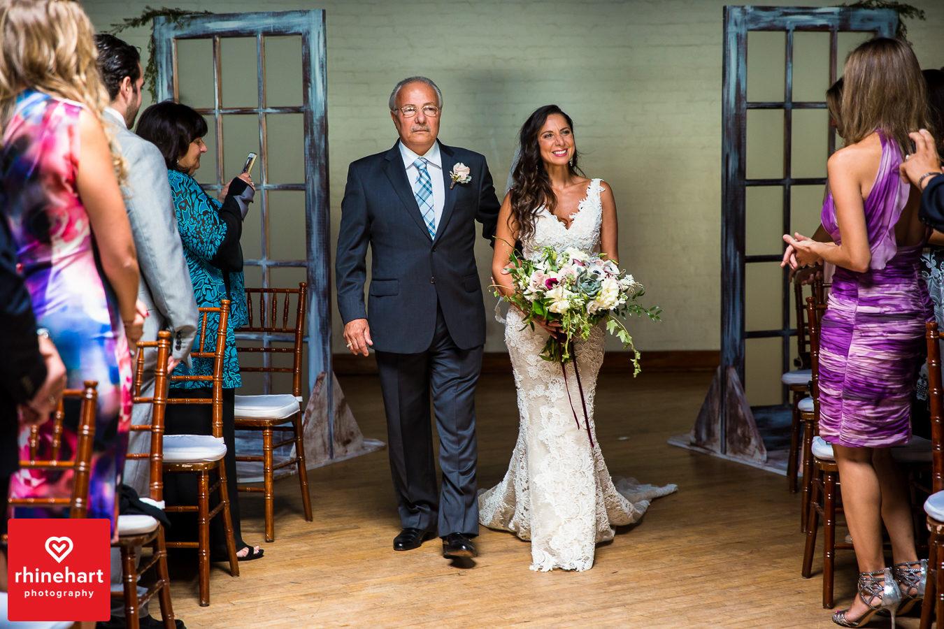liberty-warehouse-wedding-photographers-creative-brooklyn-24