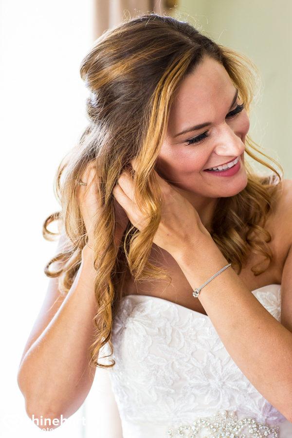 best-skytop-lodge-wedding-photographers-poconos-unique-creative-natural-candid-1