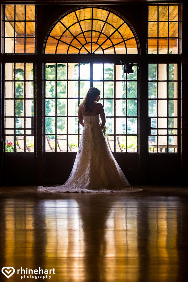 best-skytop-lodge-wedding-photographers-poconos-unique-creative-natural-candid-2