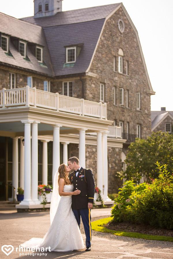 best-skytop-lodge-wedding-photographers-poconos-unique-creative-natural-candid-51