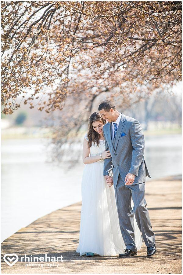 best-dc-wedding-photographers-cherry-blossoms-tidal-basin-monuments-iconic-washington-creative-unique-fun-friendly-artistic-15