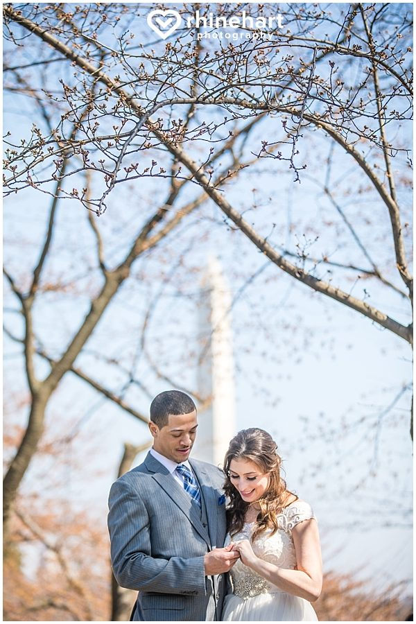 best-dc-wedding-photographers-cherry-blossoms-tidal-basin-monuments-iconic-washington-creative-unique-fun-friendly-artistic-3