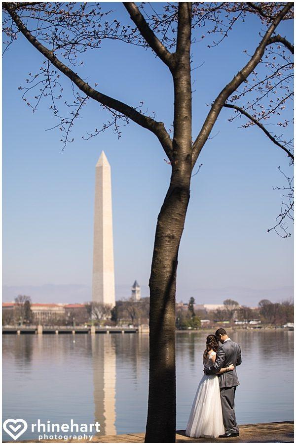 best-dc-wedding-photographers-cherry-blossoms-tidal-basin-monuments-iconic-washington-creative-unique-fun-friendly-artistic-9