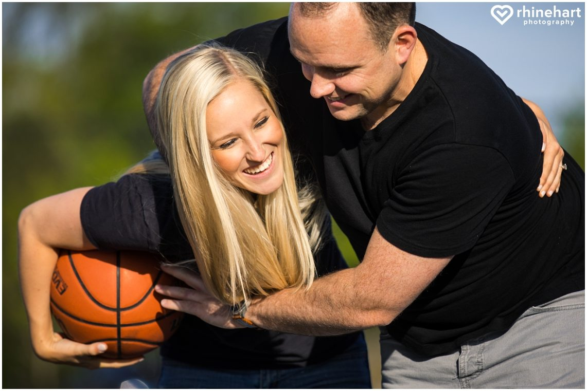 basketball-engagement-photos-pictures-creative-wedding-ideas-3