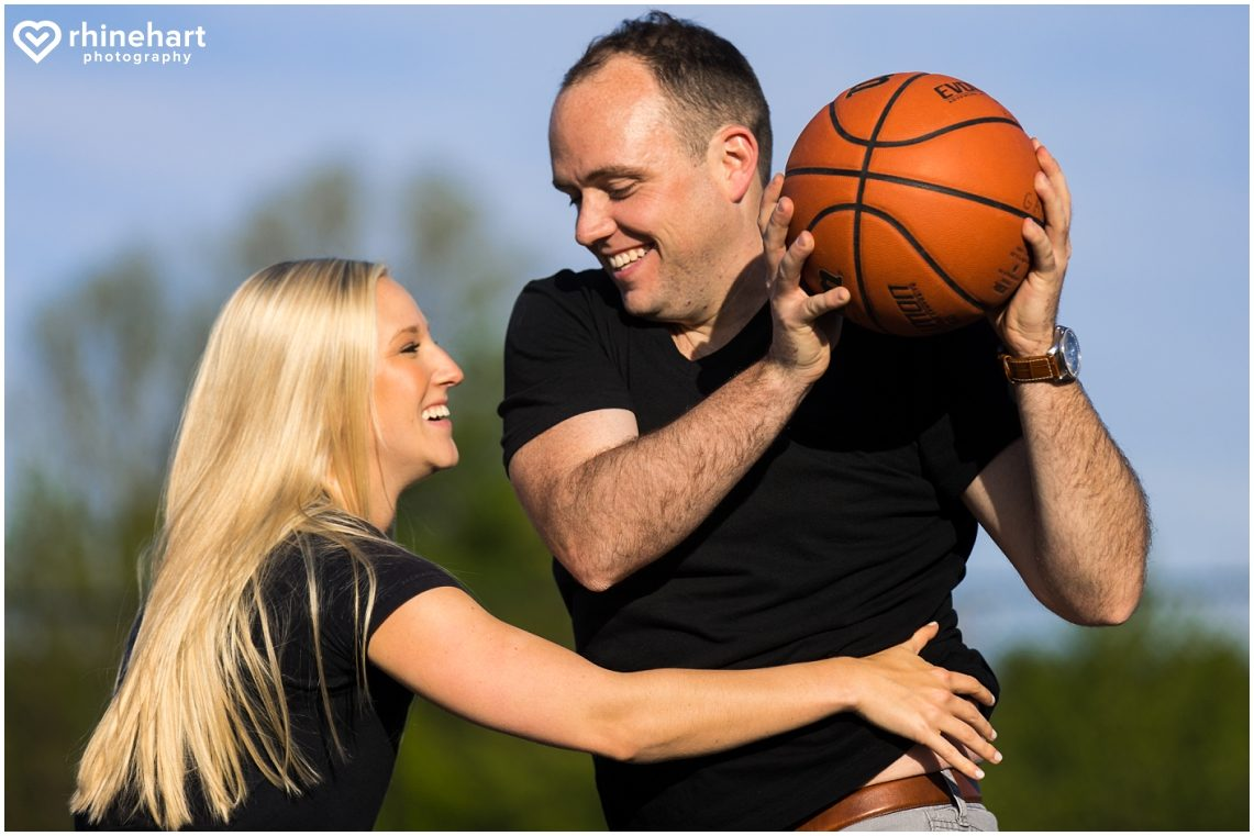 basketball-engagement-photos-pictures-creative-wedding-ideas-4