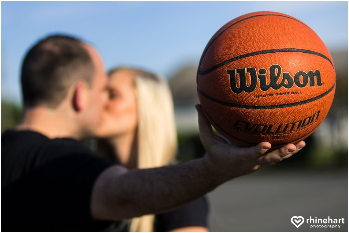 basketball-engagement-photos-pictures-creative-wedding-ideas-8