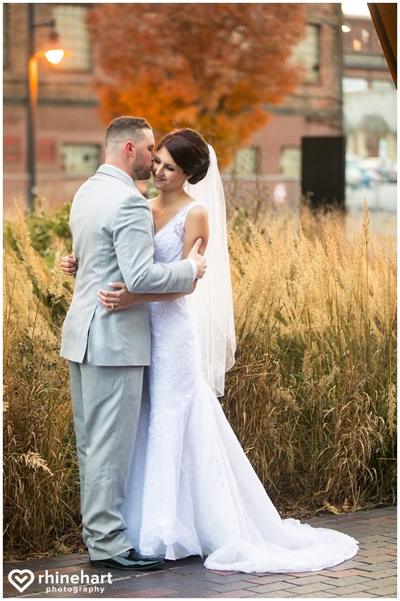 best-steelstacks-wedding-photographers-bethlehem-pa-steel-stacks-artsquest-arts-quest-lehigh-valley-creative-unique-vibrant-modern-39-1