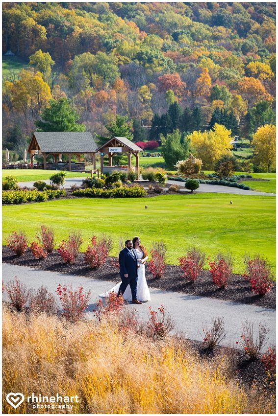 liberty-mountain-resort-wedding-photographers-creative-best-colorful-central-pa-17