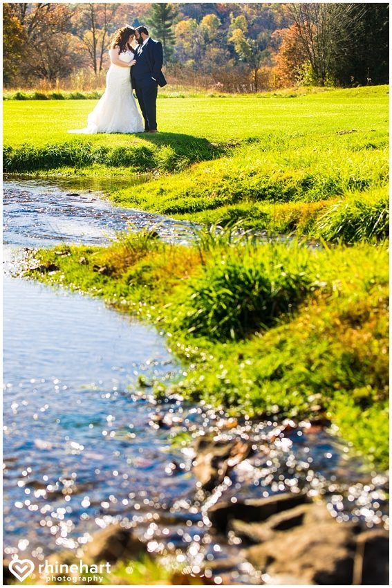 liberty-mountain-resort-wedding-photographers-creative-best-colorful-central-pa-17b