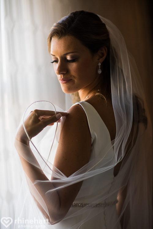 st-francis-hall-dc-wedding-photographers-creative-best-saint-francis-hall-washington-4-3