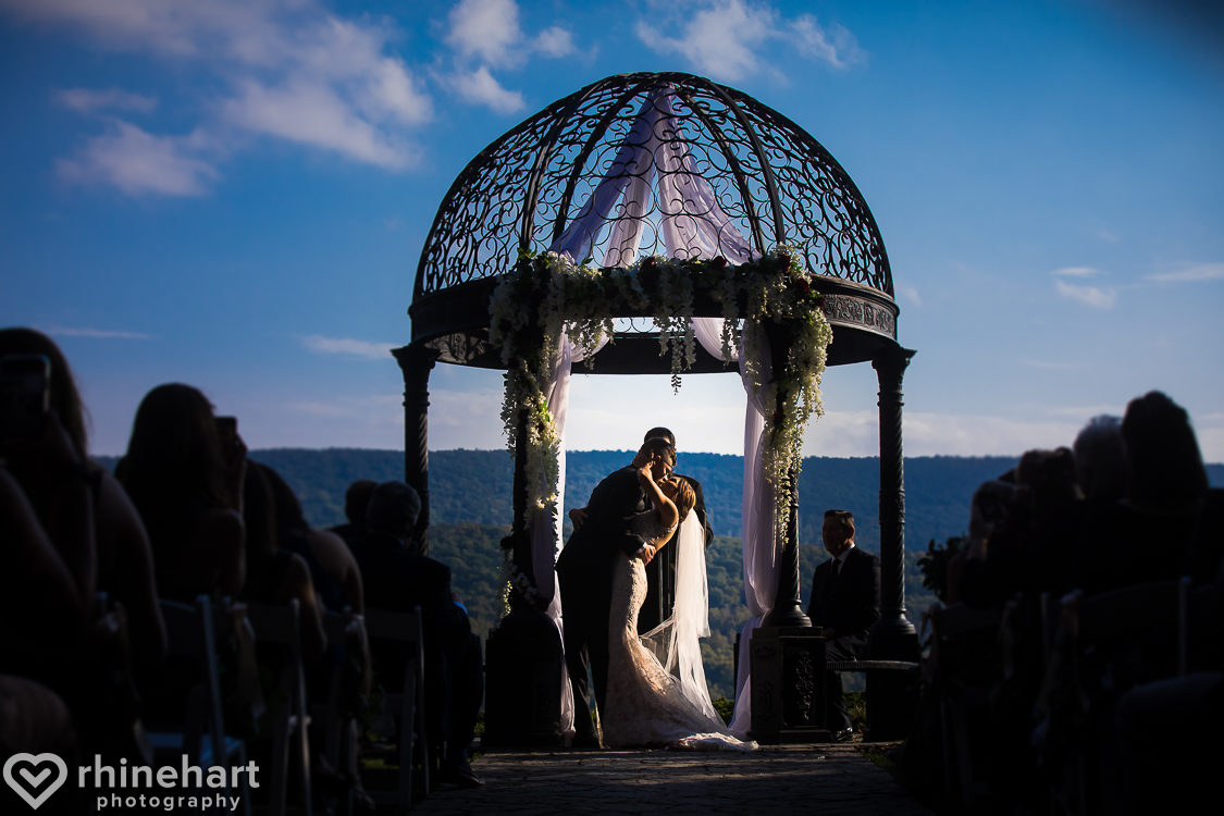 best-stroudmoor-wedding-photographers-country-inn-poconos-creative-unique-32