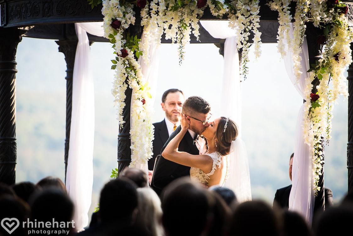 best-stroudmoor-wedding-photographers-country-inn-poconos-creative-unique-33