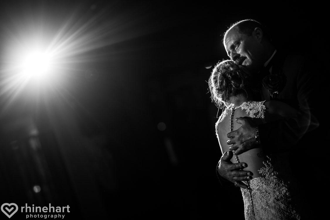 best-stroudmoor-wedding-photographers-country-inn-poconos-creative-unique-40