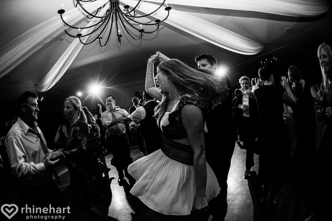 best-stroudmoor-wedding-photographers-country-inn-poconos-creative-unique-42