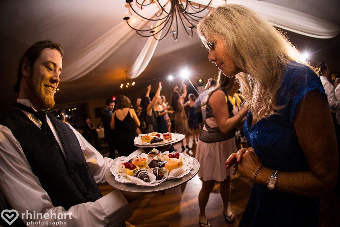 best-stroudmoor-wedding-photographers-country-inn-poconos-creative-unique-43