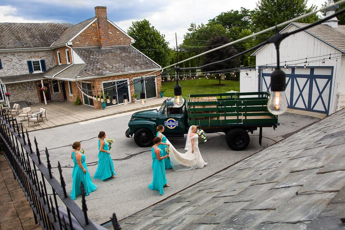 melhorn-manor-wedding-photographers-creative-best-109