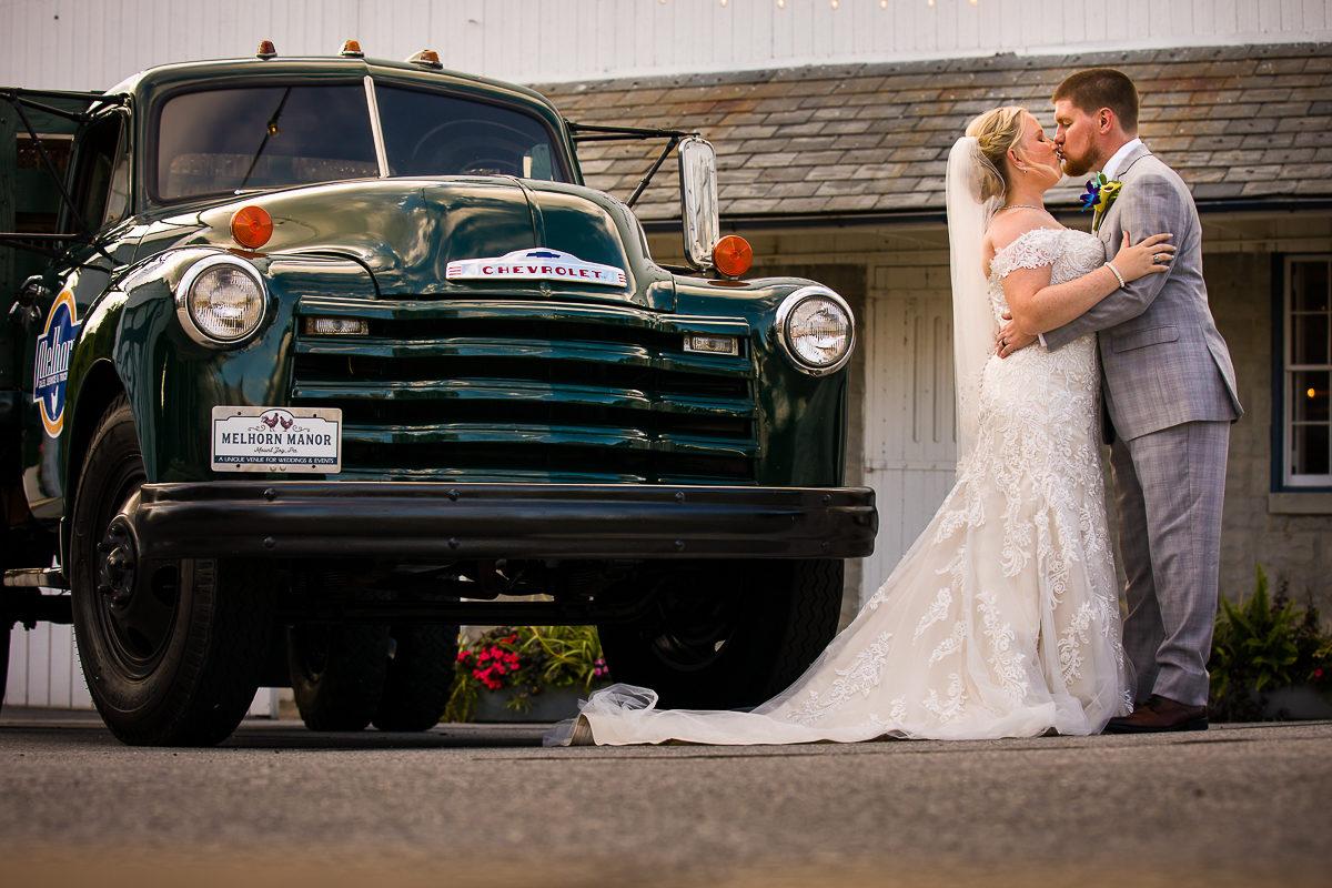 melhorn-manor-wedding-photographers-creative-best-127