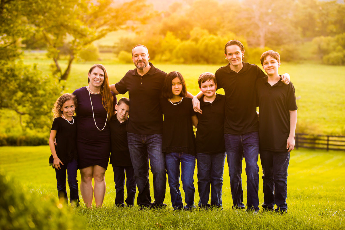 best-family-portrait-photographers-creative-va-pa-md-wv-silverbrook-farm-purcelleville-7-1
