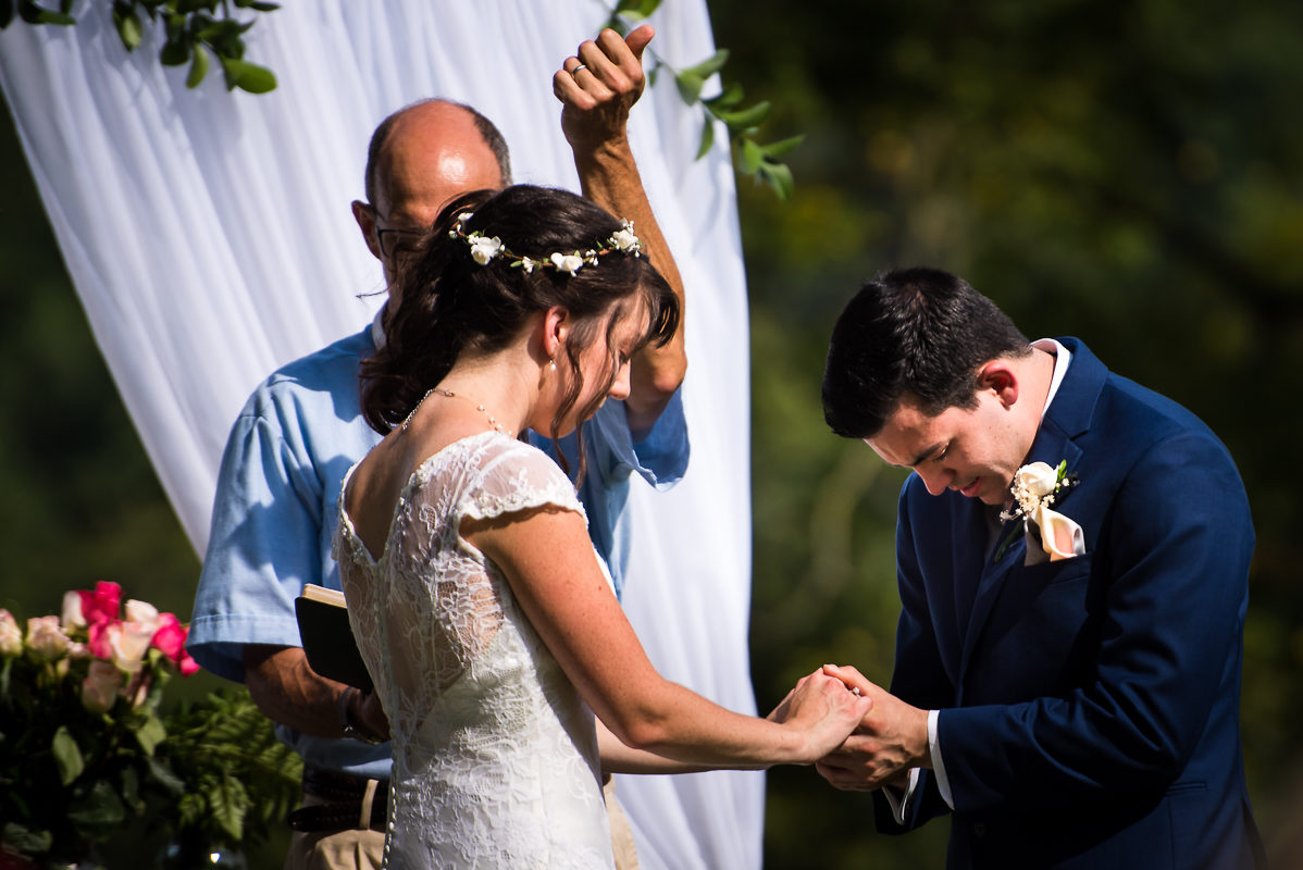 westchester-best-wedding-photographers-thornbury-farm-creative-artistic-vibrant-fun-27