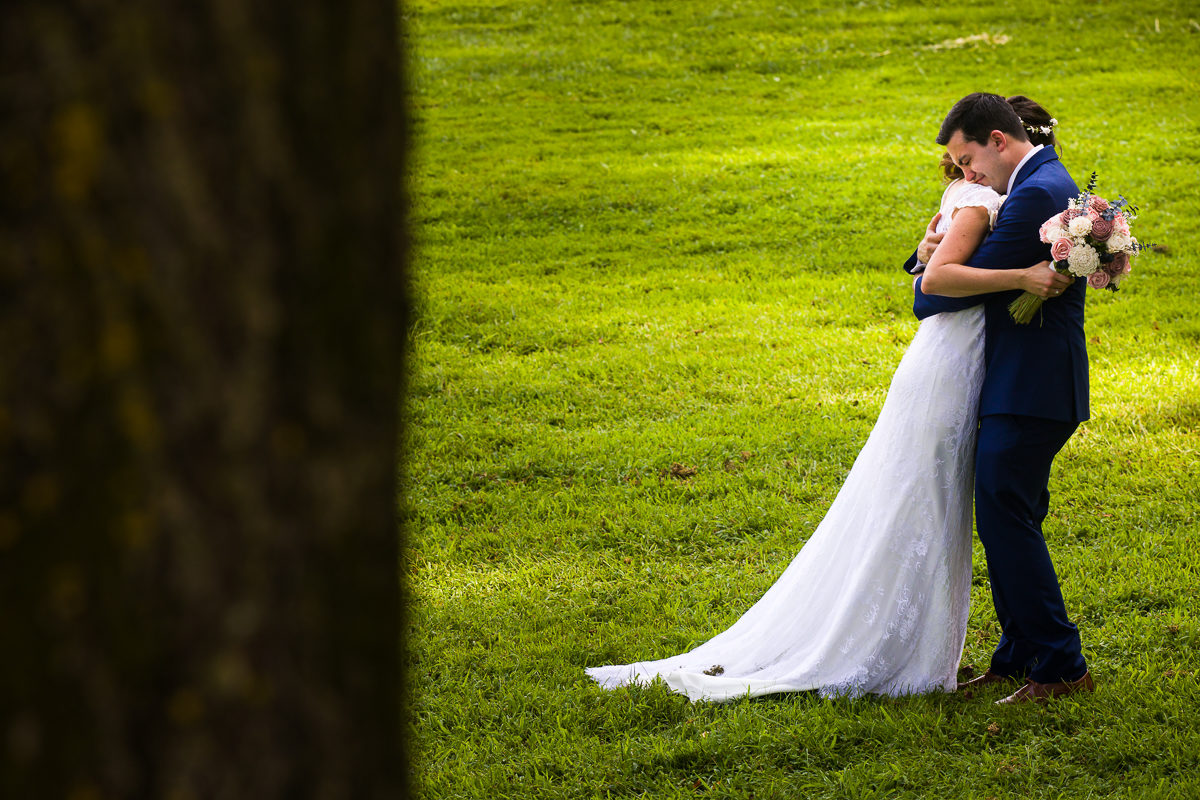 westchester-best-wedding-photographers-thornbury-farm-creative-artistic-vibrant-fun-33