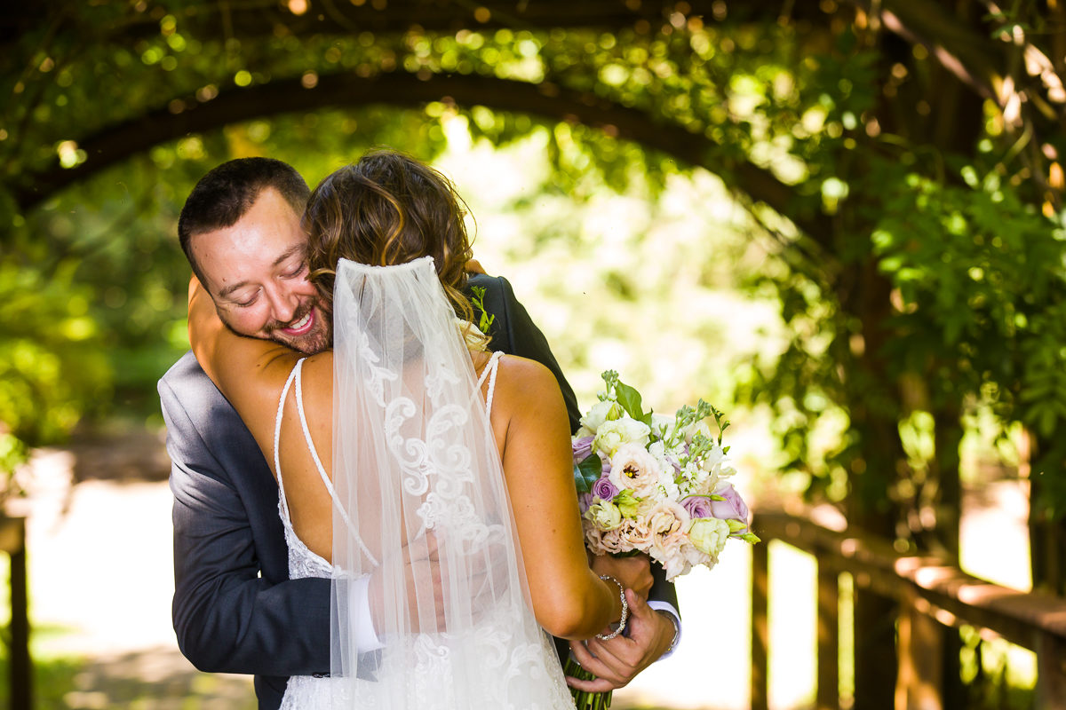 stroudsmoor-country-inn-stroudsburg-pocono-creative-best-wedding-photographers-17