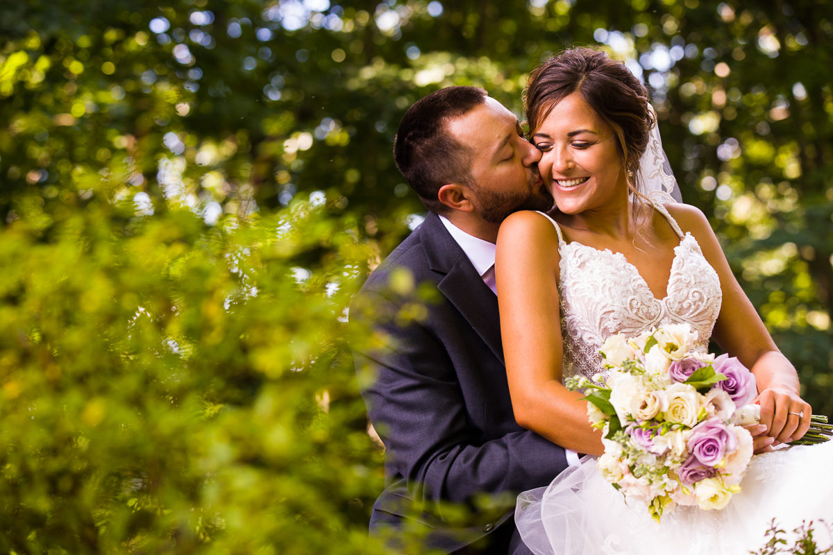 stroudsmoor-country-inn-stroudsburg-pocono-creative-best-wedding-photographers-23