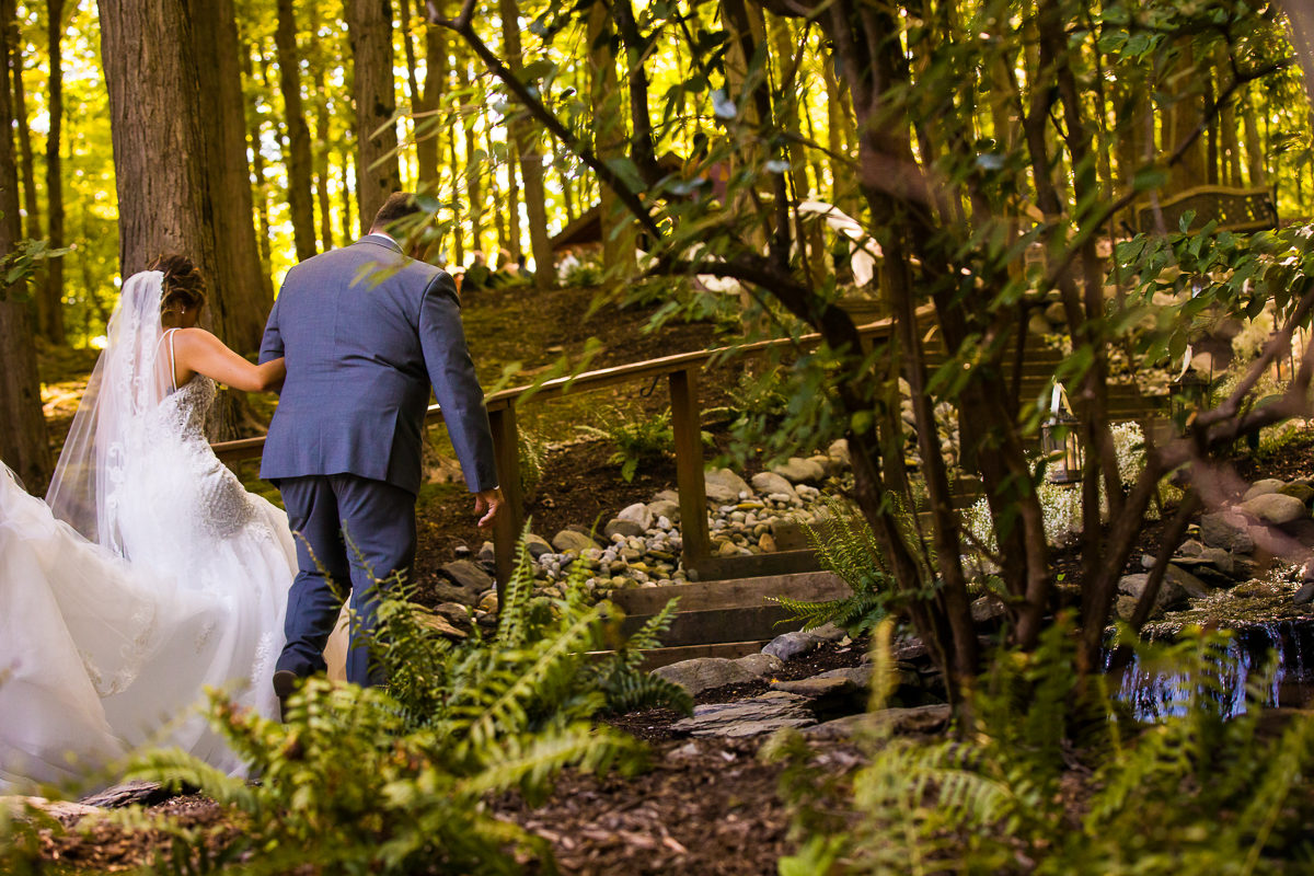stroudsmoor-country-inn-stroudsburg-pocono-creative-best-wedding-photographers-29