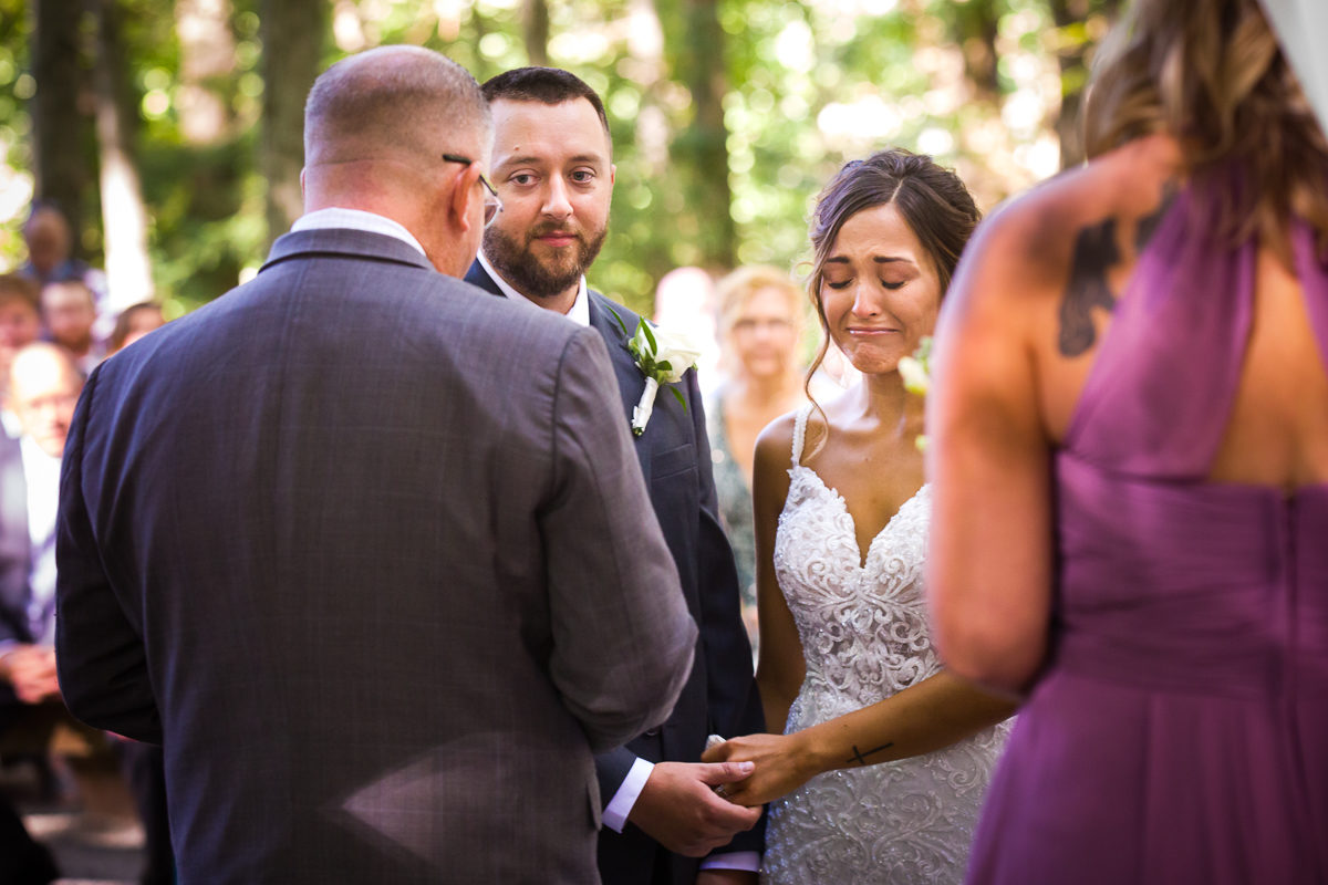 stroudsmoor-country-inn-stroudsburg-pocono-creative-best-wedding-photographers-35