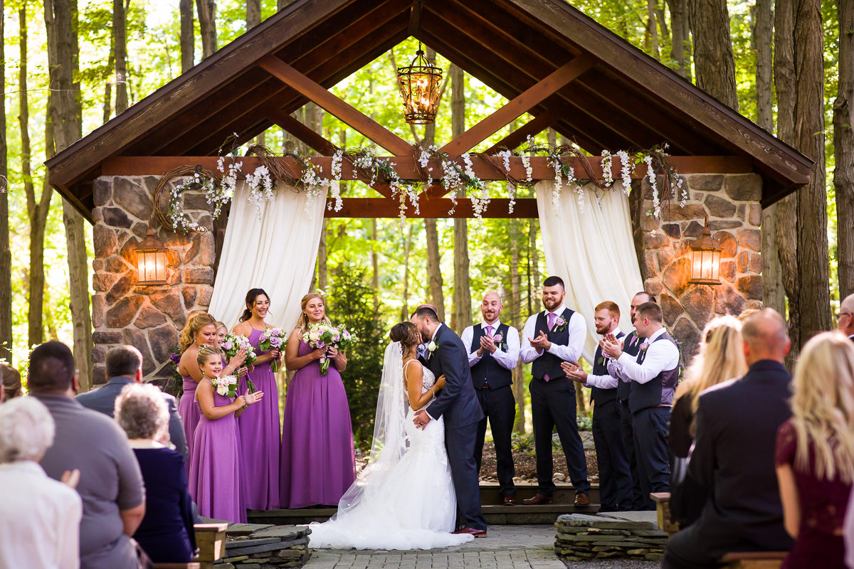 stroudsmoor-country-inn-stroudsburg-pocono-creative-best-wedding-photographers-41