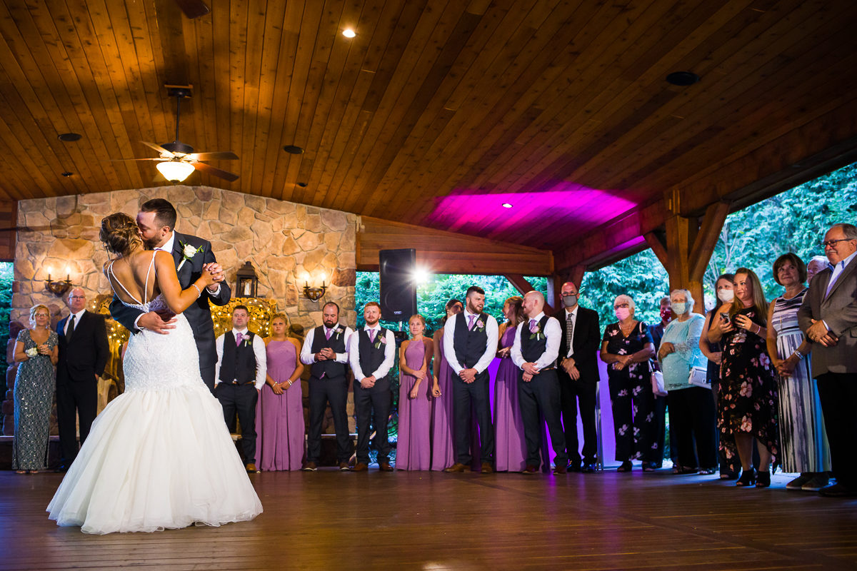stroudsmoor-country-inn-stroudsburg-pocono-creative-best-wedding-photographers-47