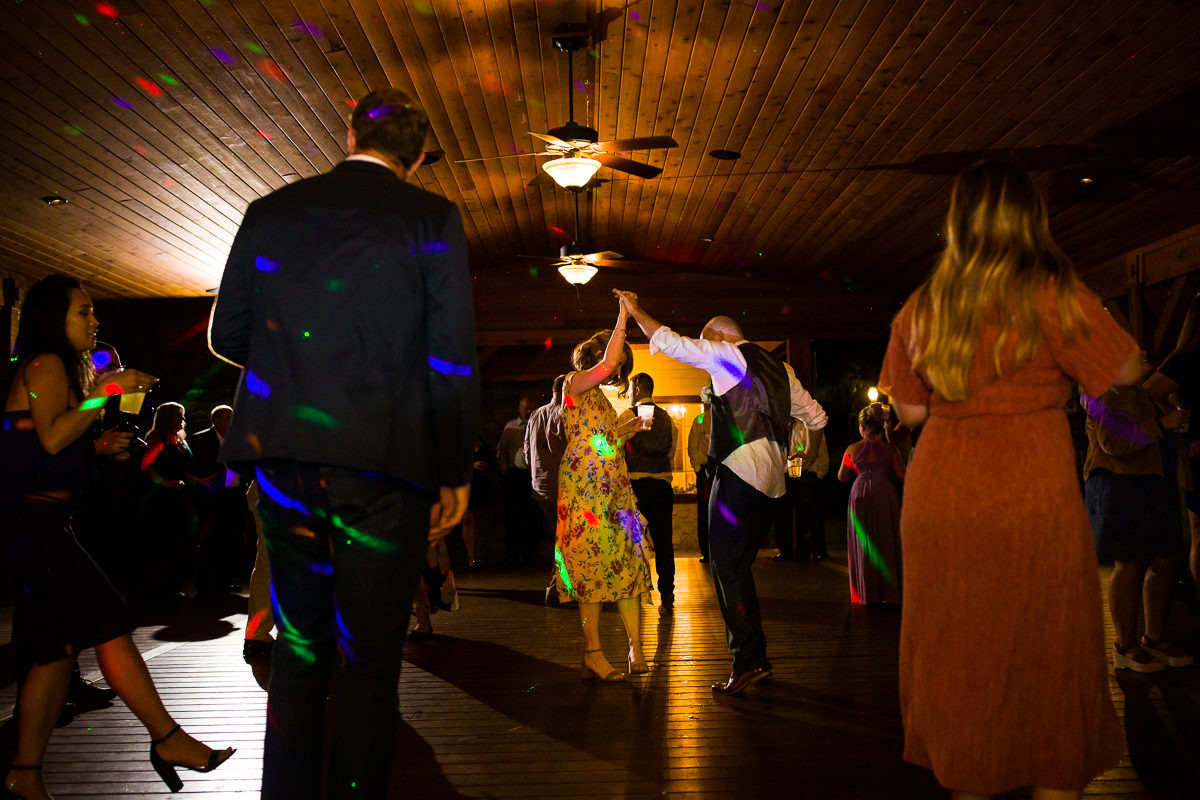 stroudsmoor-country-inn-stroudsburg-pocono-creative-best-wedding-photographers-49