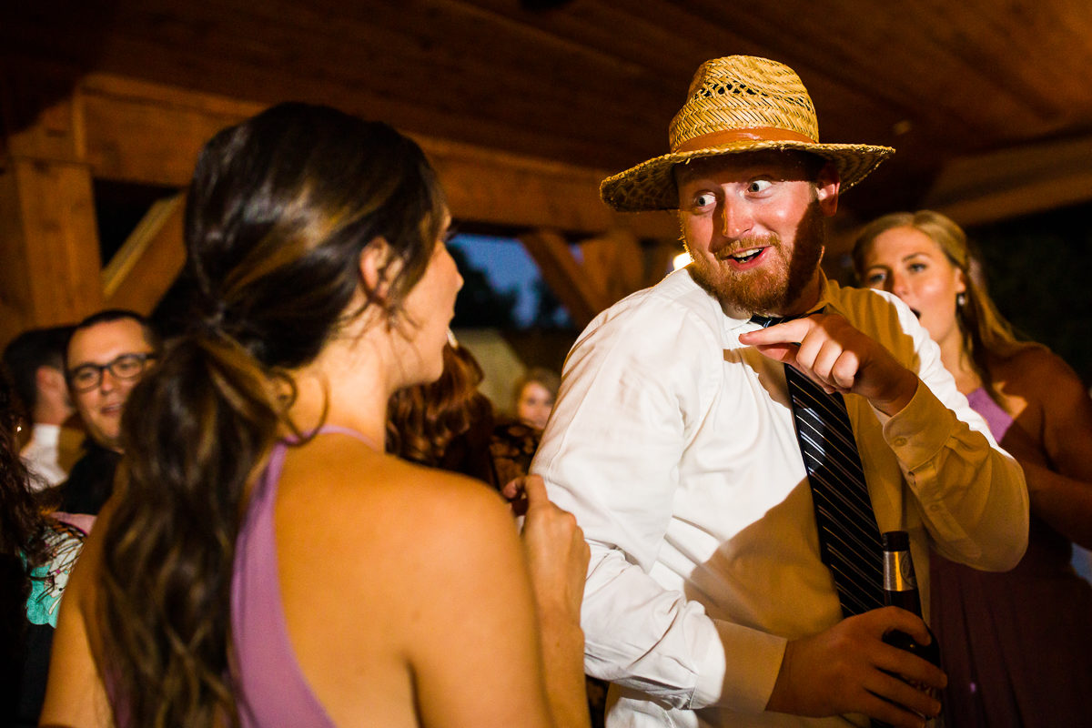 stroudsmoor-country-inn-stroudsburg-pocono-creative-best-wedding-photographers-53