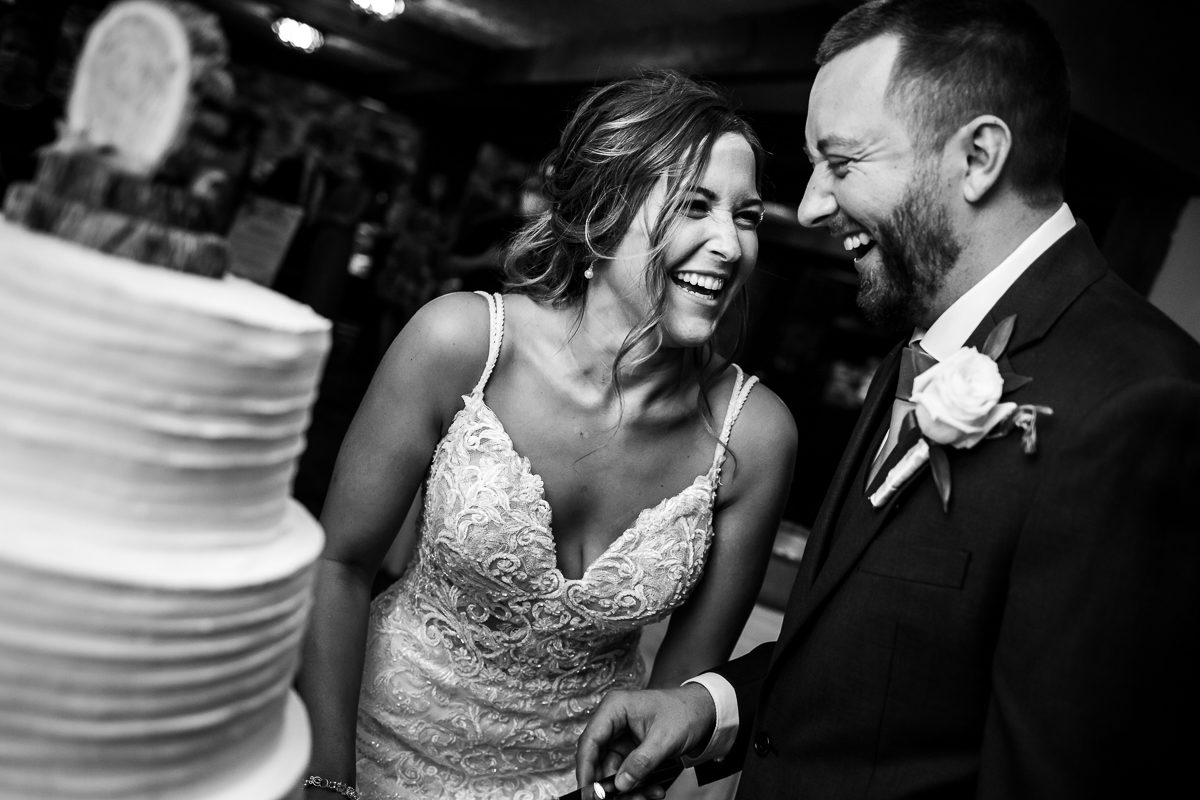 stroudsmoor-country-inn-stroudsburg-pocono-creative-best-wedding-photographers-54