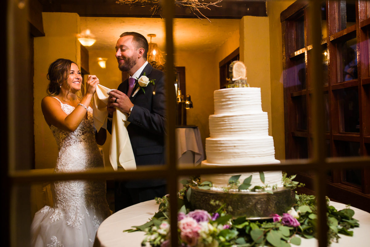 stroudsmoor-country-inn-stroudsburg-pocono-creative-best-wedding-photographers-55
