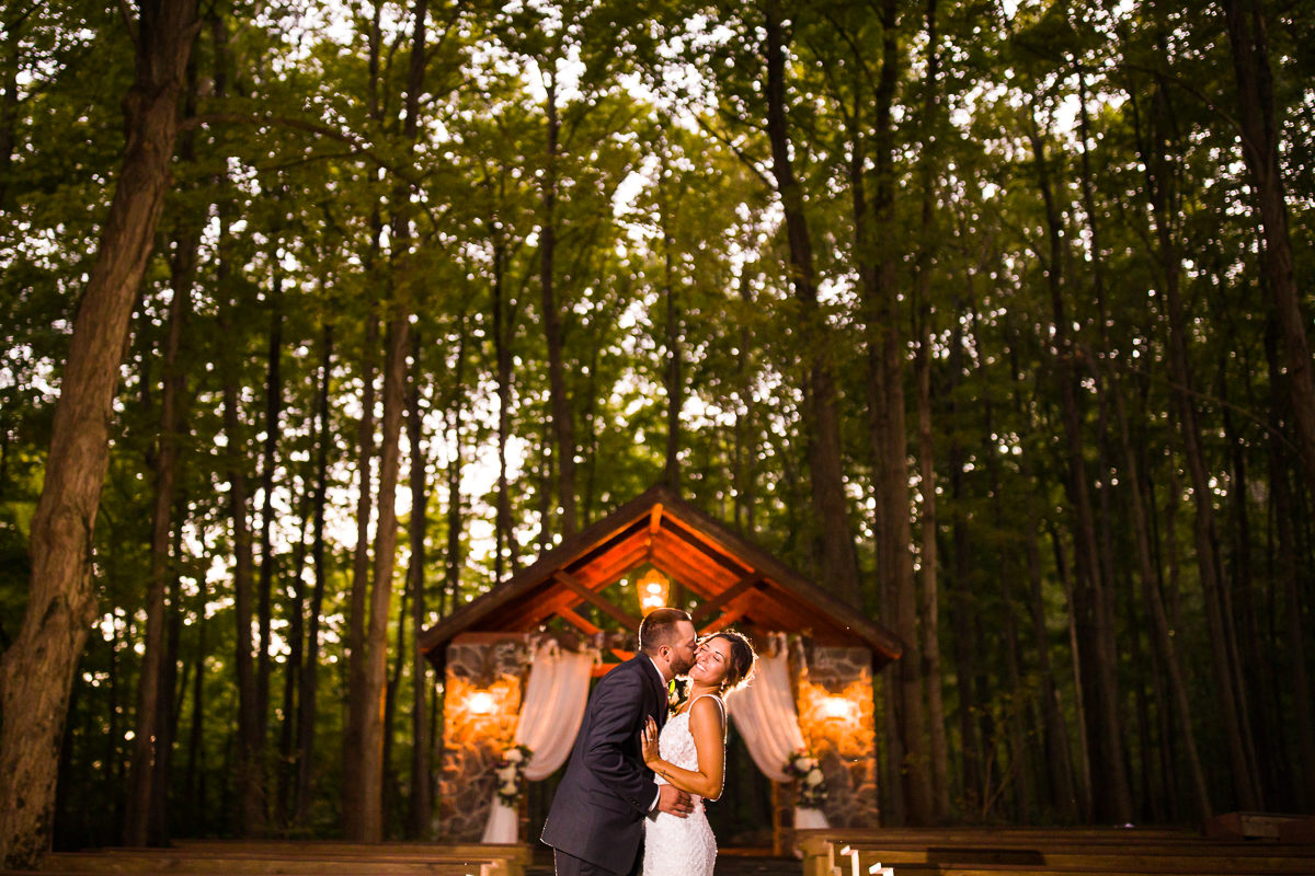 stroudsmoor-country-inn-stroudsburg-pocono-creative-best-wedding-photographers-56