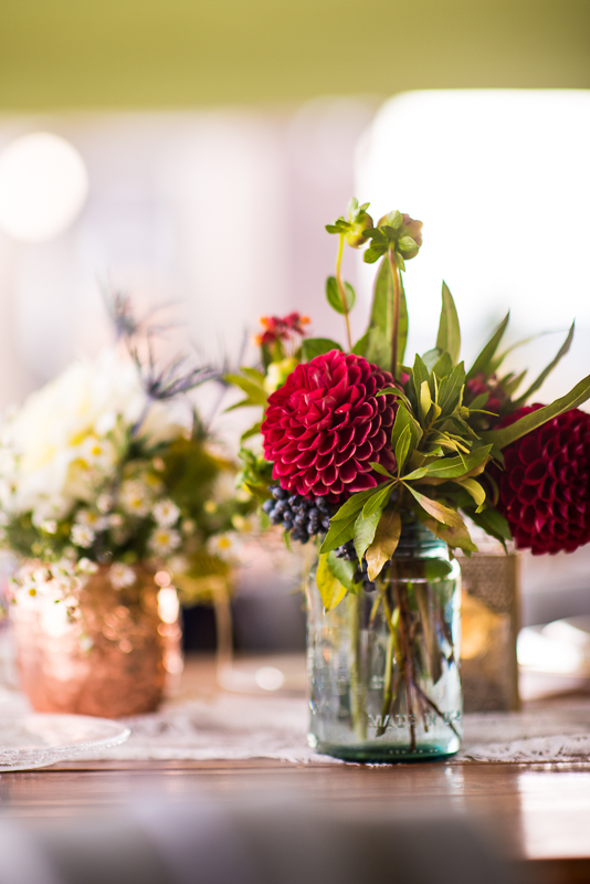 simple dahlia wedding decorations that are romantic and inexpensive