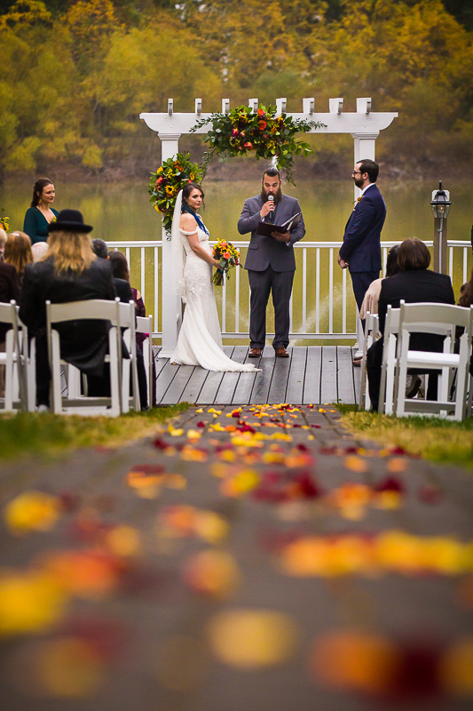 gettysburg lodges wedding ceremony space in fall