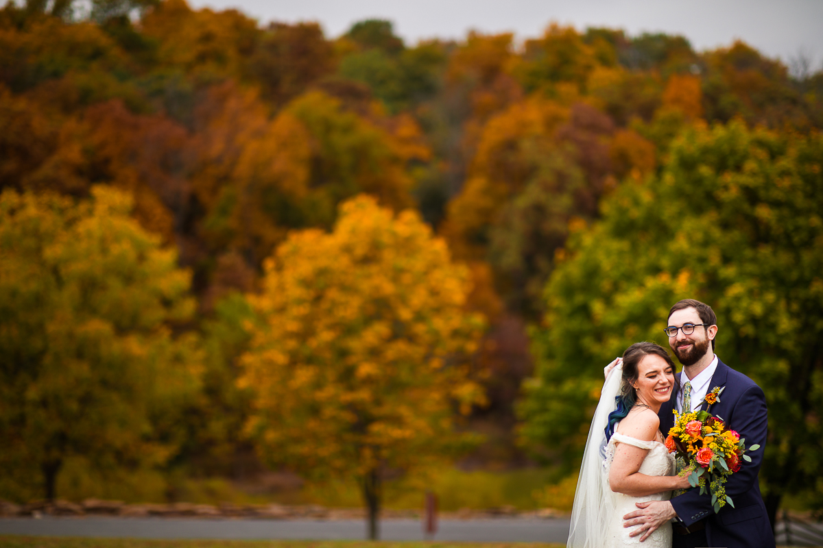 fall mountain wedding at the lodges in gettysburg