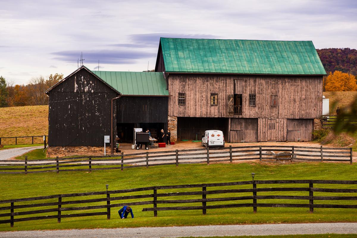 silverbrook-farm-barn-fence