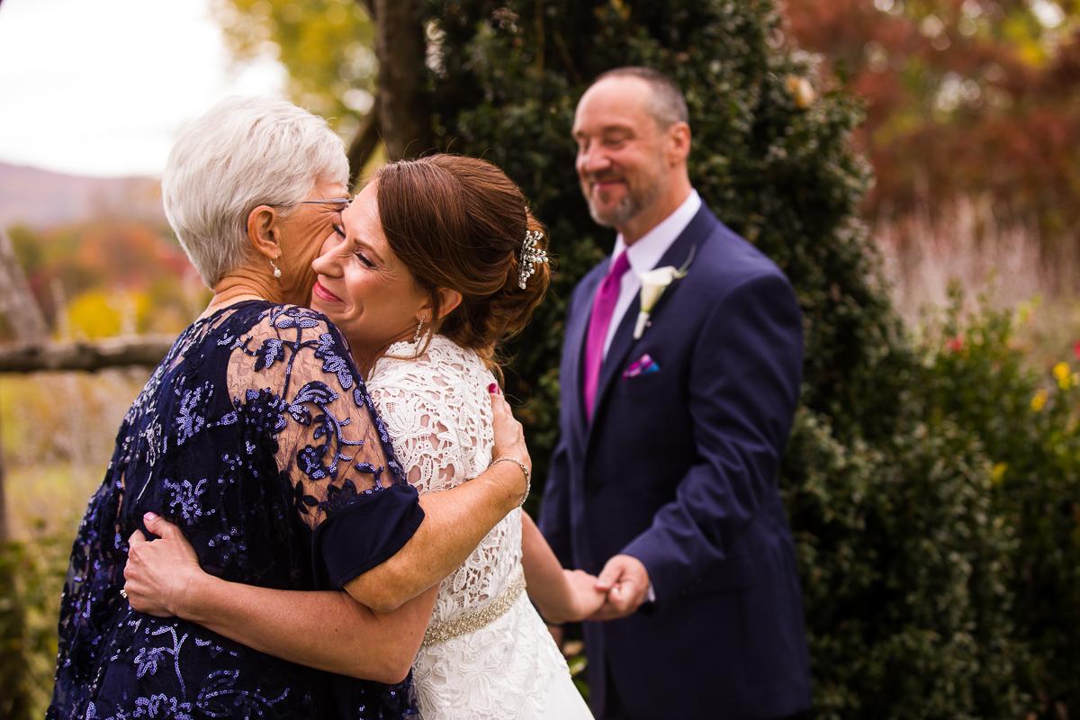 silverbrook-farm-bride-mother-groom