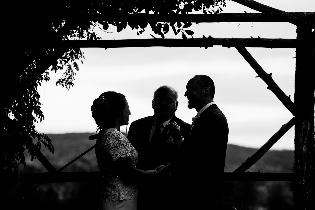 silverbrook-farm-wedding-couple-silhouette