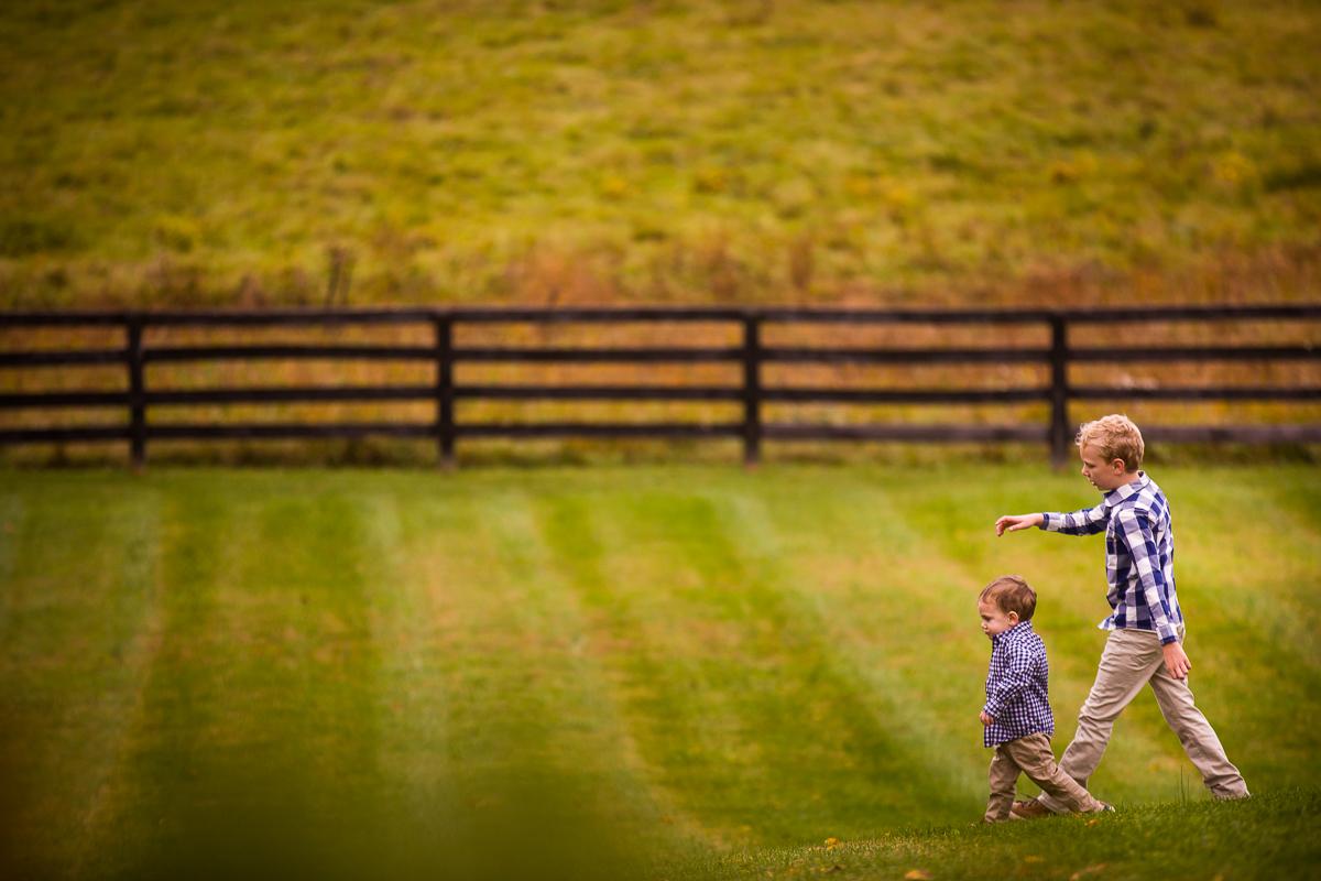 silverbrook-farm-children-playing